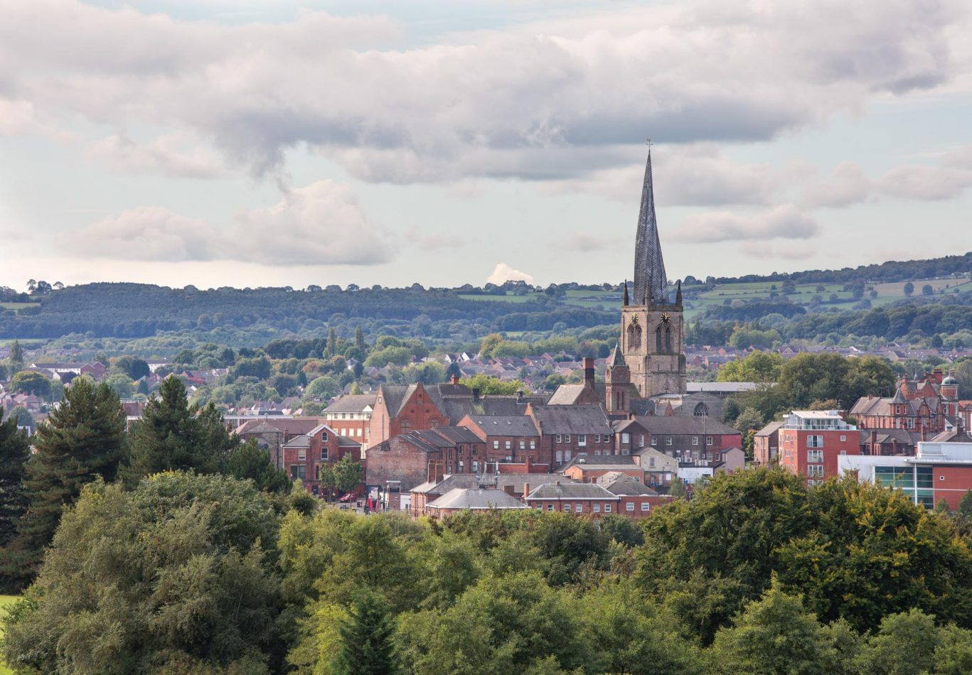 Cheserfield-Crooked-Spire-and-town (1)